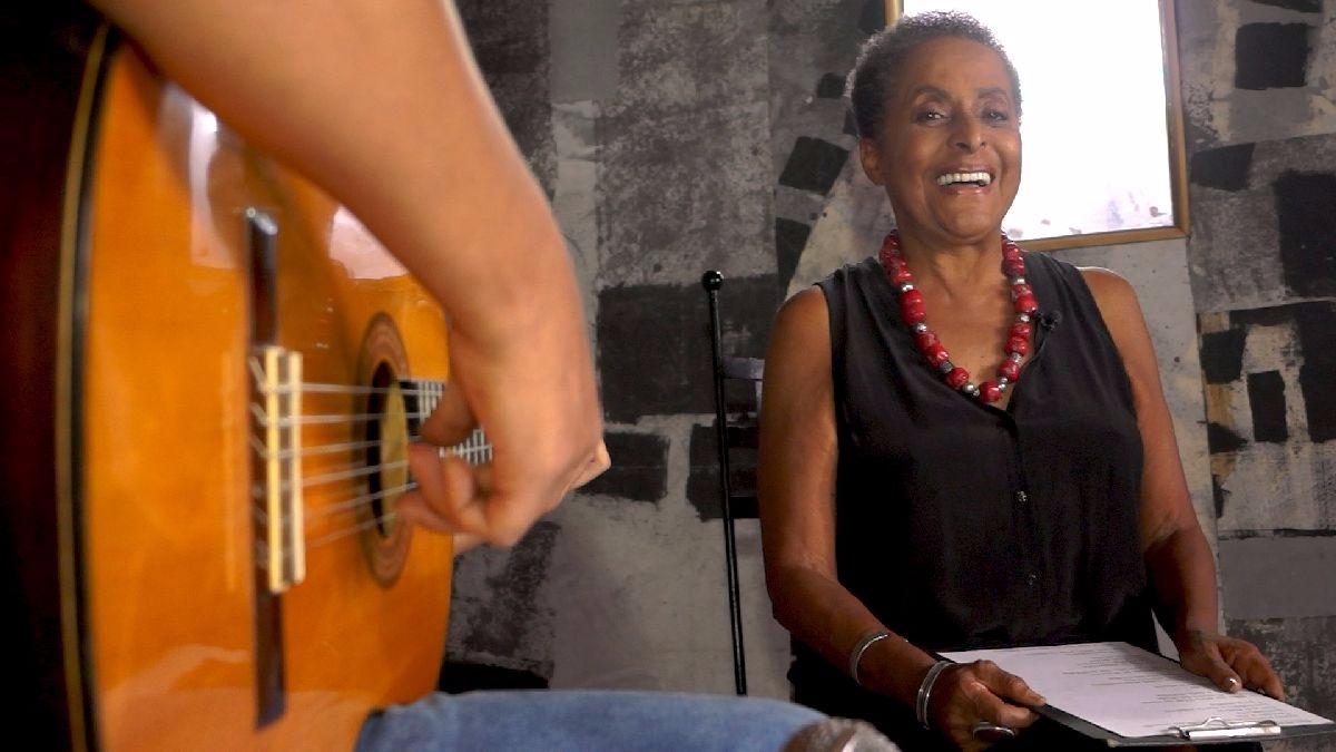 Escucha a Susana Baca interpretar 'Viento del olvido', poema musicalizado de Manuel Scorza, en 'Fuera de Serie'. La cantante fue la segunda ministra de Cultura de la historia del Perú. Estuvo en el cargo entre julio y diciembre del 2011.