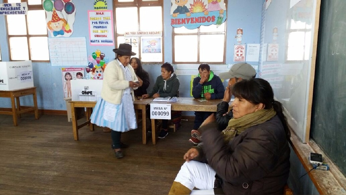 Centro de votación en Chiara.