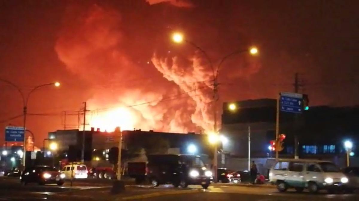 A unos metros de una importante vía del Callao se registró el incendio.