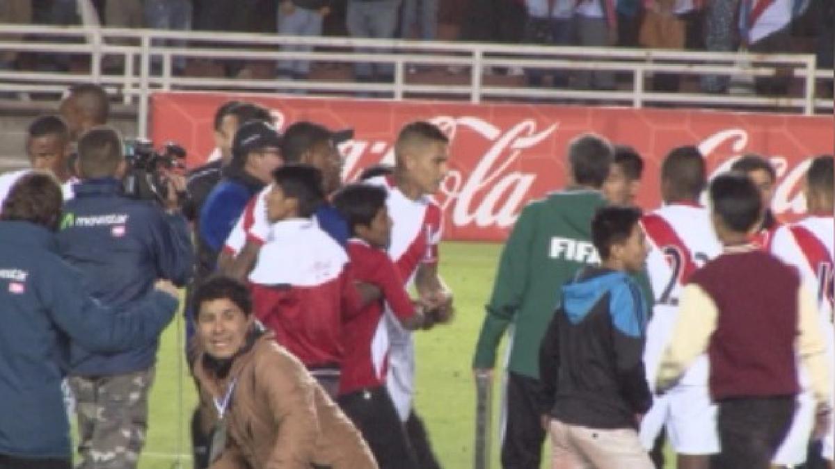 Paolo Guerrero puso el tercer gol contra Jamaica.