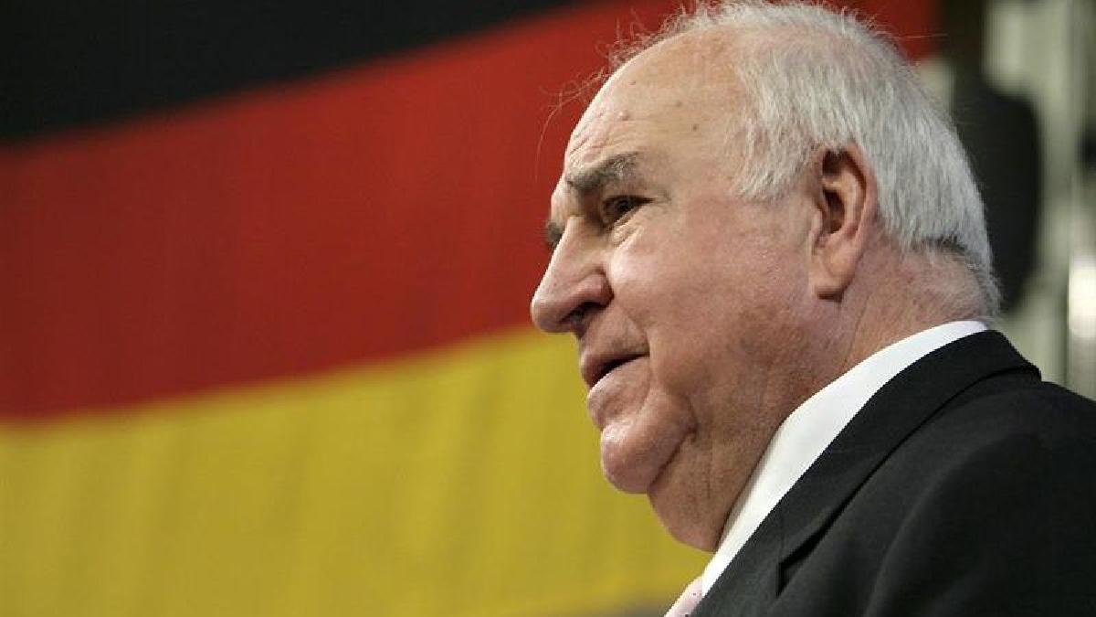 Helmut Kohl es considerado el artífice de la reunificación alemana, tras la caída del muro de Berlín en 1989.