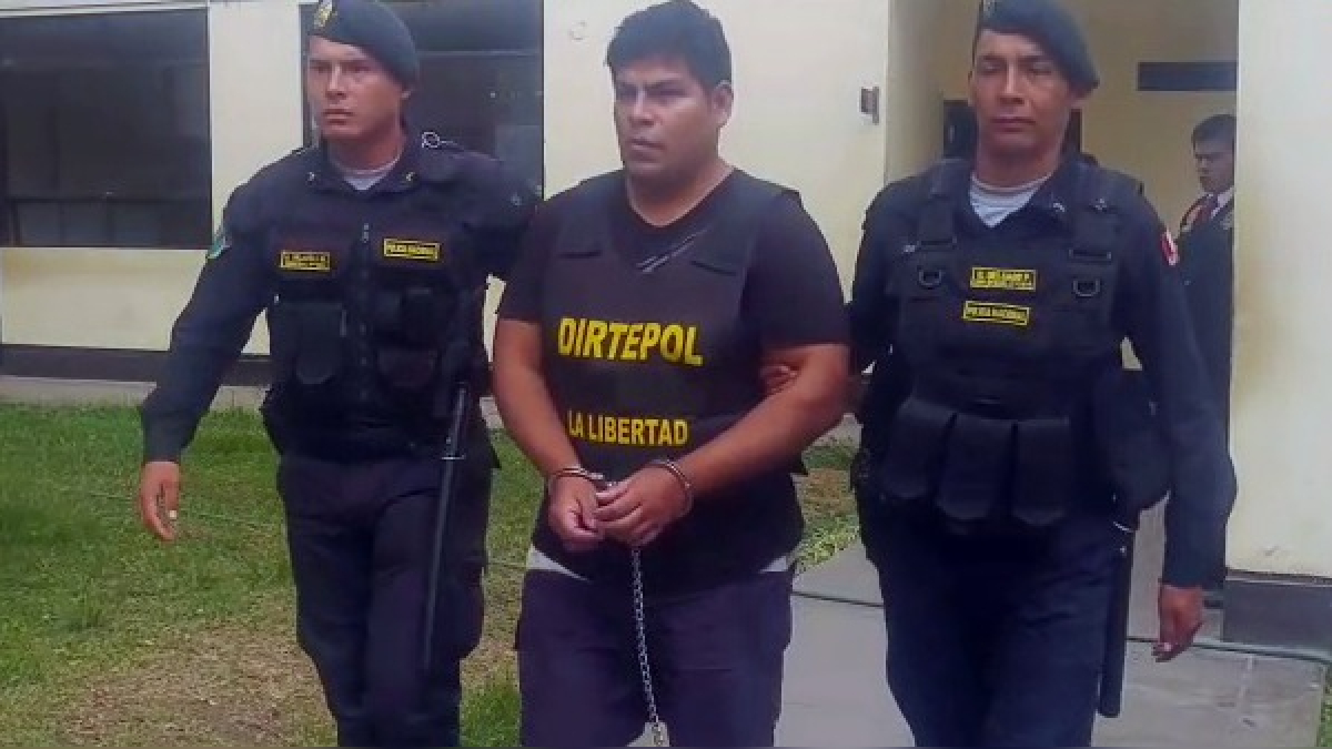 Ernie Alvarez captó a través de las redes sociales a 15 escolares de un colegio de mujeres de Trujillo.