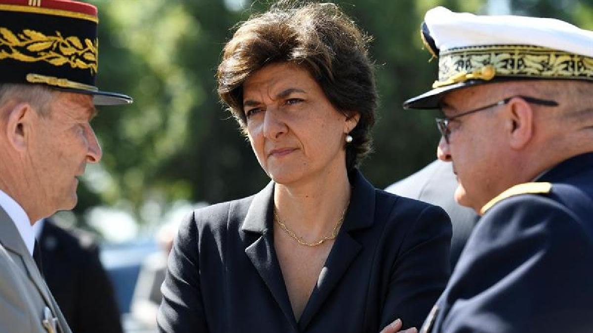 Sylvie Goulard es la segunda ministra que anuncia su decisión de no continuar en el cargo, tras el alejamiento del ministro de Cohesión Territorial, Richard Ferrand.