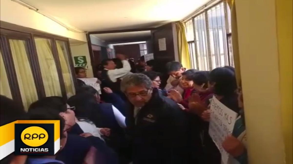 Denuncian despidos irregulares de trabajadores contratados