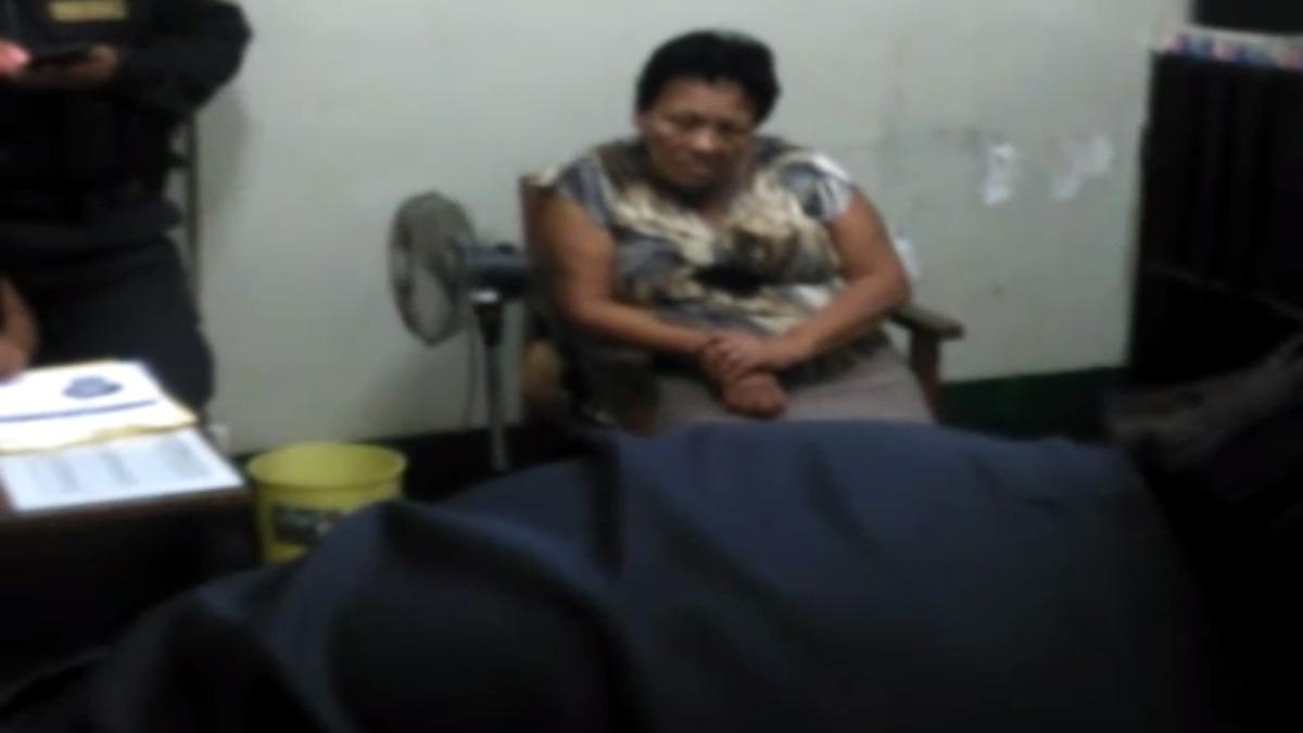 Mujer detenida por tráfico ilícito de drogas.