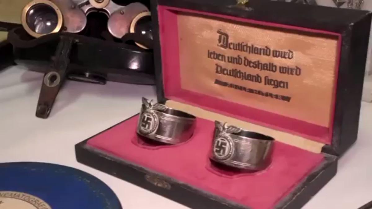 La Policía cree que los objetos fueron introducidos por oficiales de alto rango nazis que escaparon a Argentina tras la guerra.