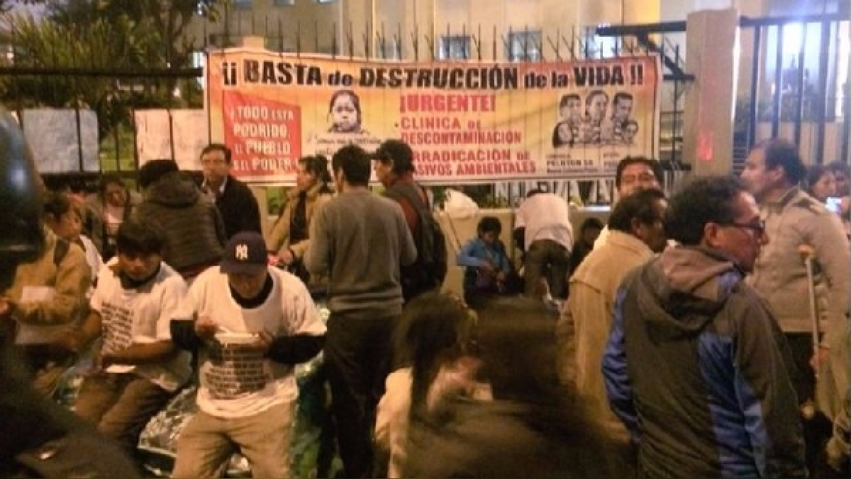 Los vecinos de Simón Bolívar reclaman la atención médica luego de que la contaminación minera les provoque cáncer.