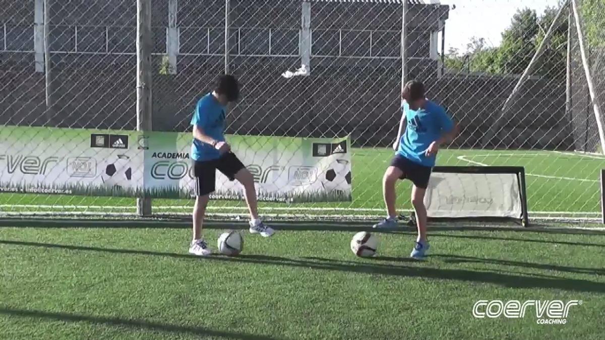 Revisa este video donde se trabaja el dominio de pelota a nivel intermedio. Hay 4 niveles de trabajo con este método.
