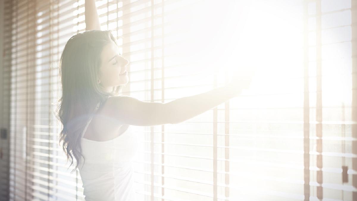 El exceso de luz artificial y brillante está vinculado a trastornos del sueño y otras enfermedades como la obesidad y diabetes.
