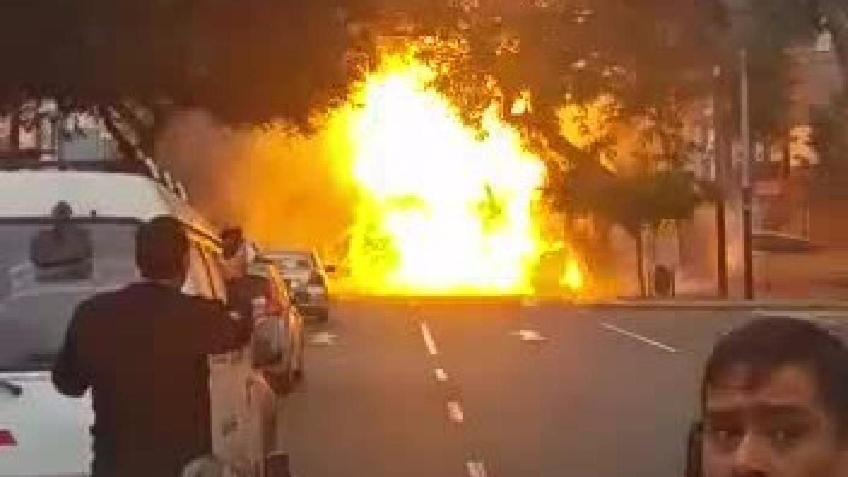 Así fueron captadas las explosiones desde la avenida Aramburú.