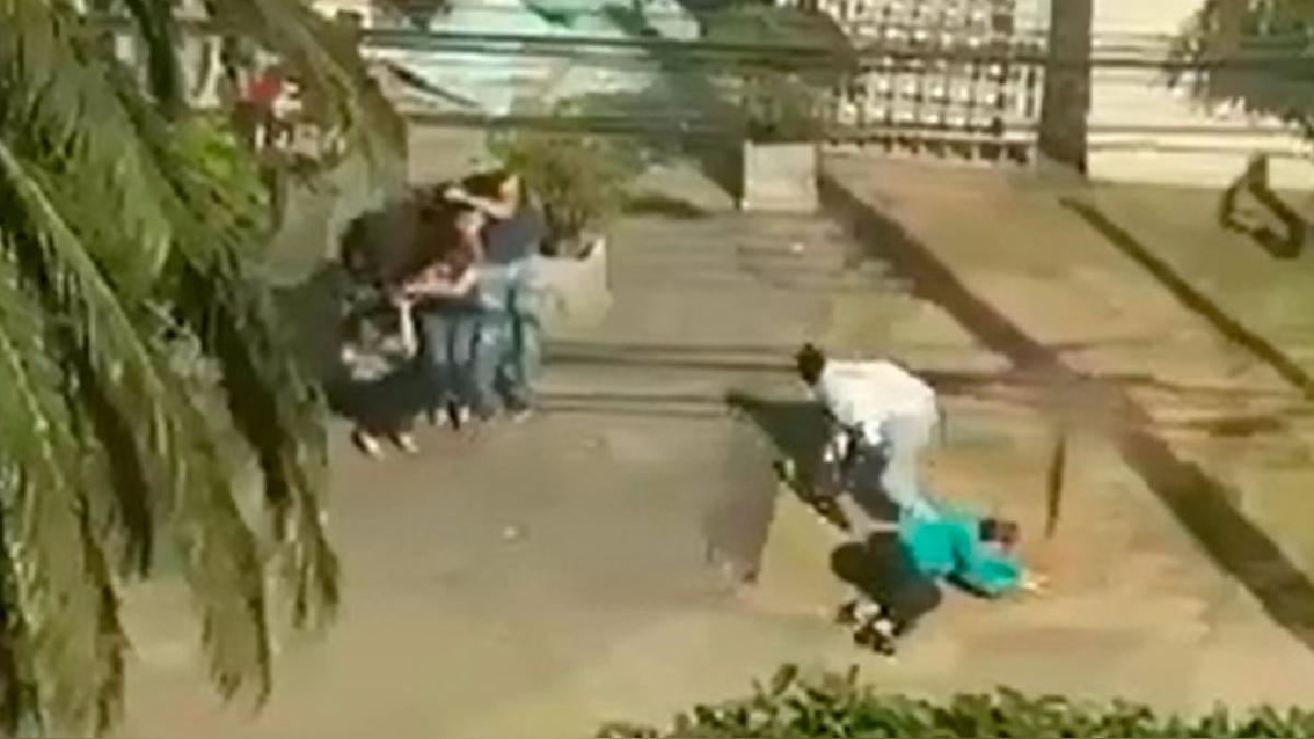 El tiroteo entre la policía y los asaltantes se produjo en una joyería de la ciudad de Santa Cruz.