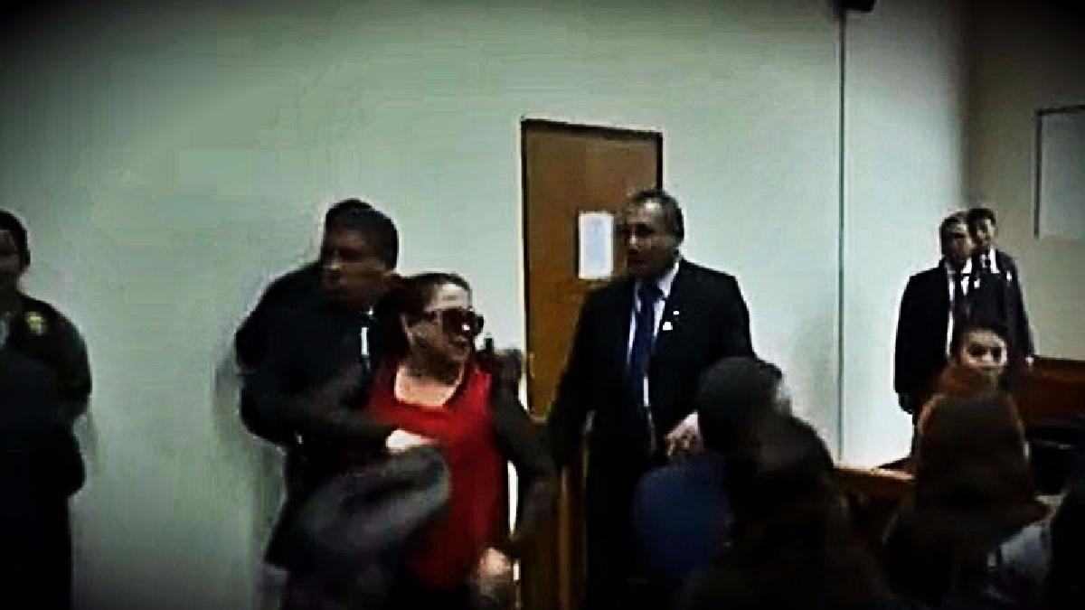 Dos mujeres tildaron aprovecharon el final de la sesión para tildar de corrupto al juez Richard Concepción Carhuancho.