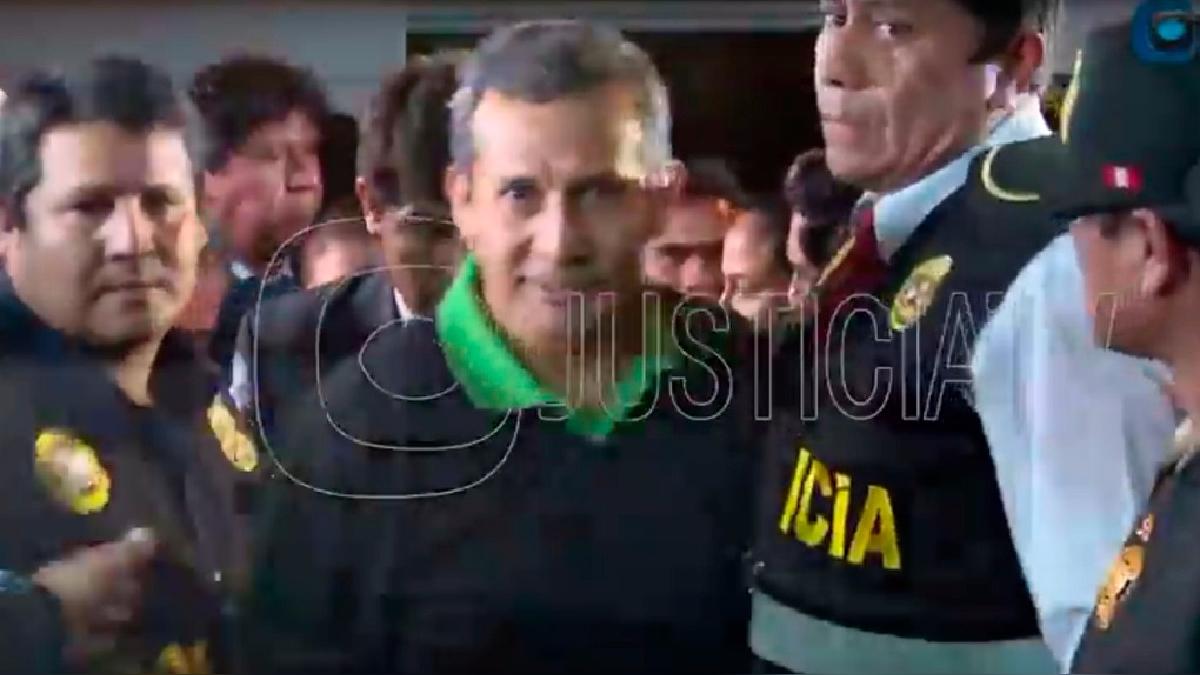 Ollanta Humala ingresa a la sede del Palacio de Justicia.