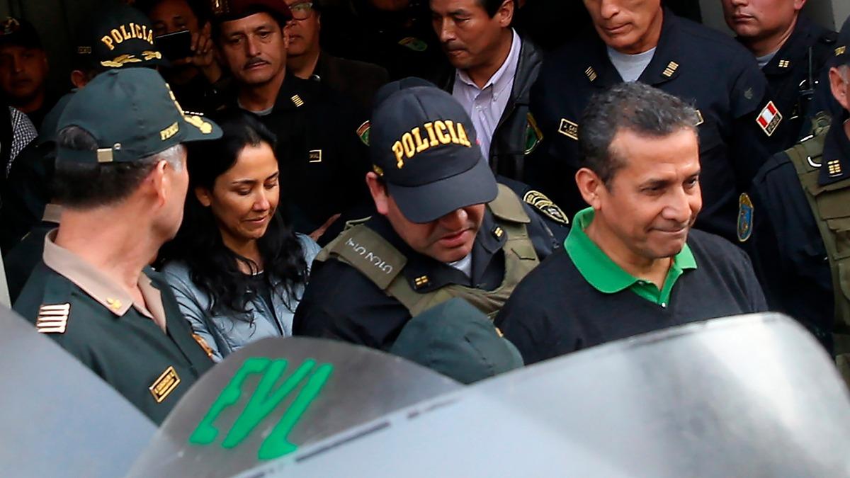 Ollanta Humala y Nadine Heredia ingresaron al Palacio de Justicia alrededor de las 8 de la noche. Más de doces horas después, se confirmó a qué penales irán.