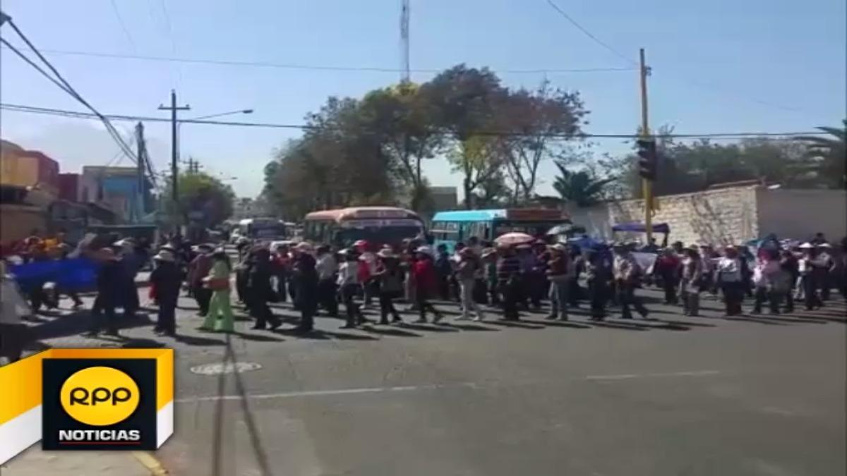 Profesores del Sutep en Arequipa deciden no levantar huelga indefinida.