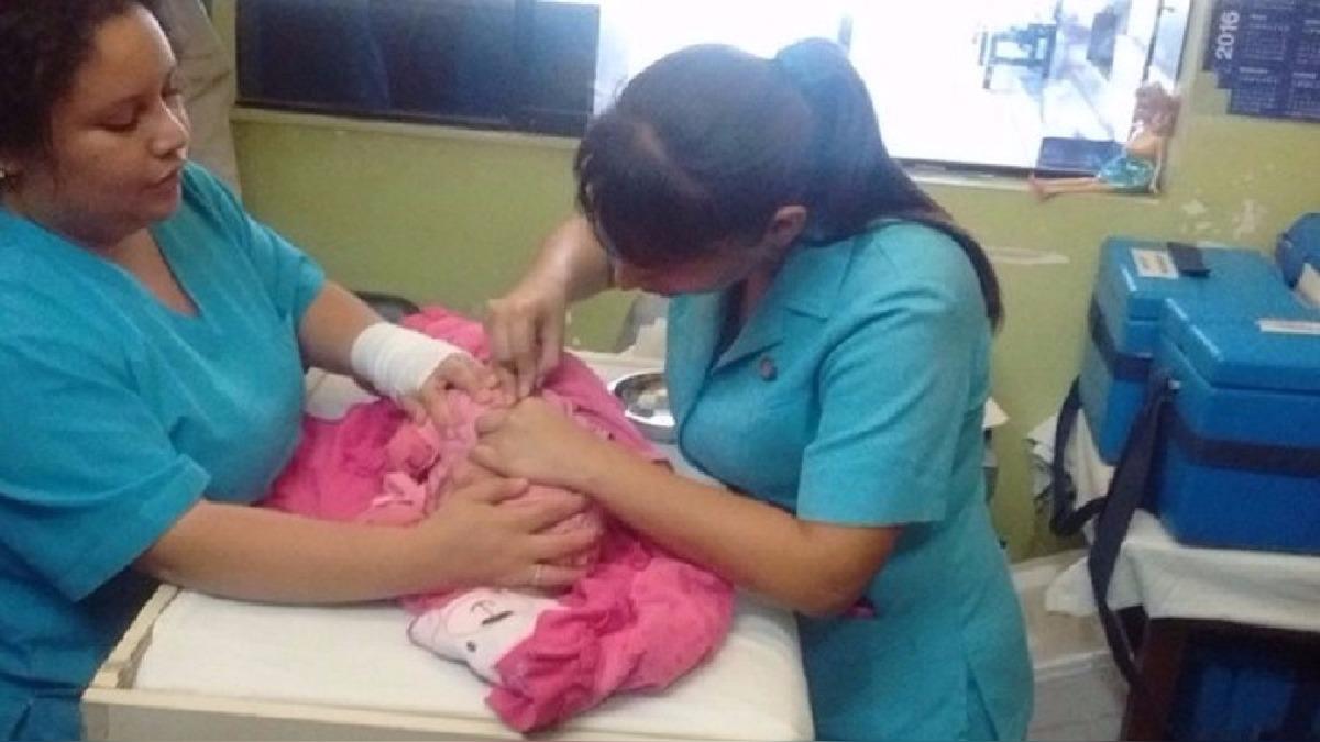 Campaña de vacunación avanza a paso lento.