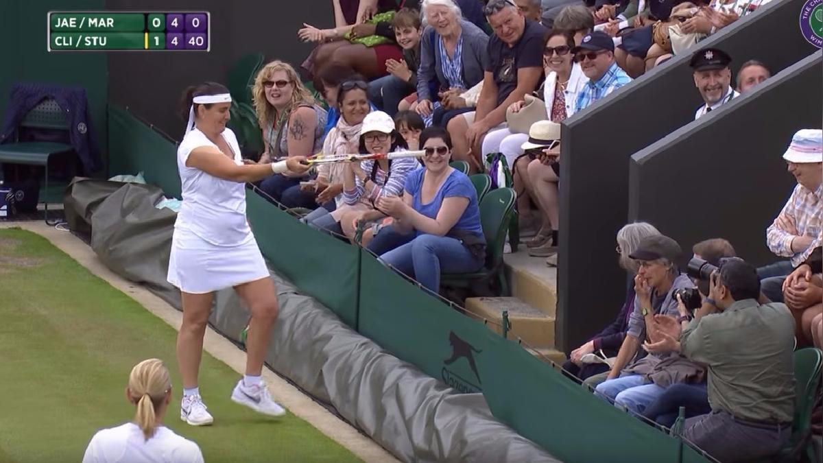 Kim Clijsters tenía un juego de tenis cuando fue interrumpida por un espectador.