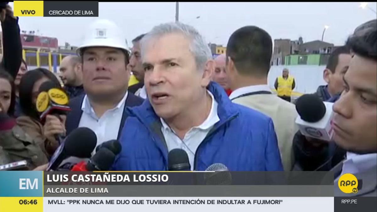 El alcalde de Lima, Luis Castañeda Lossio, estuvo presente en la inauguración de la marcha blanca del puente Bella Unión.