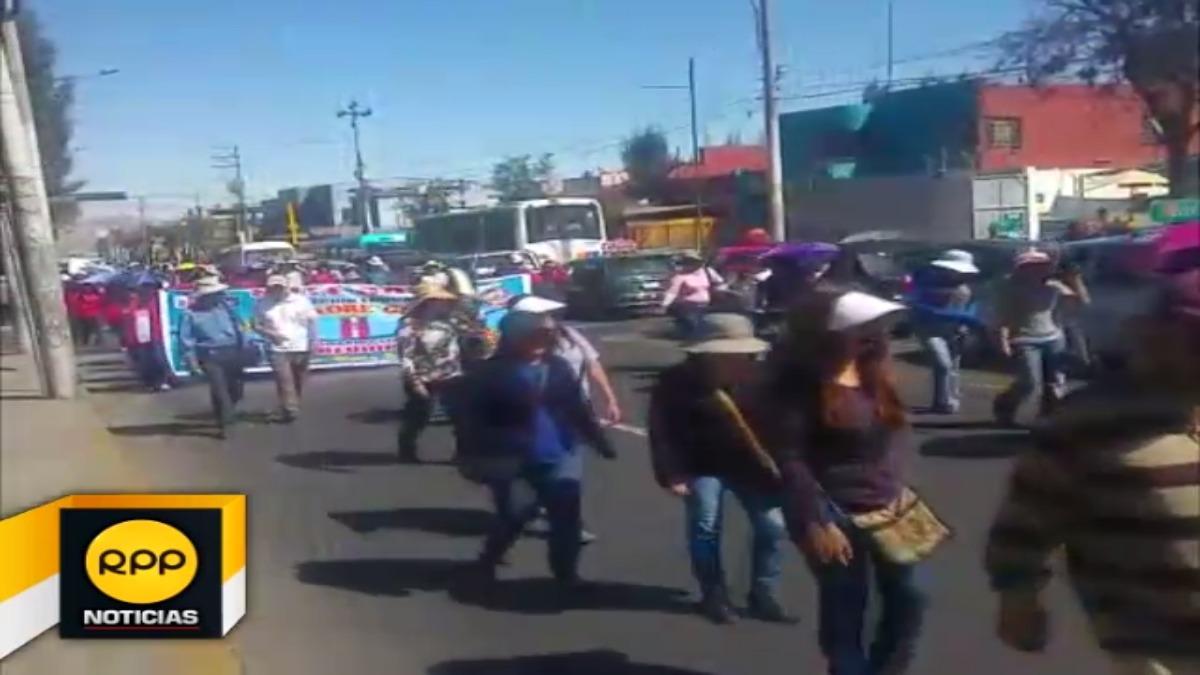 Se congregaron en el centro de la ciudad para salir en movilización
