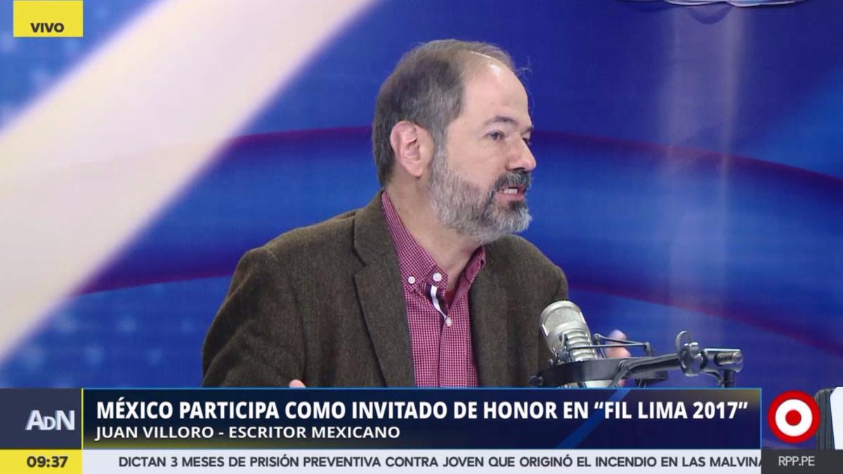 """El escritor mexicano Juan Villoro estuvo sábado como invitado internacional en la FIL presentando su libro """"El apocalipsis (todo incluido)"""""""