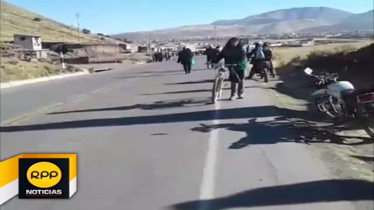Carretera bloqueada en Puno.