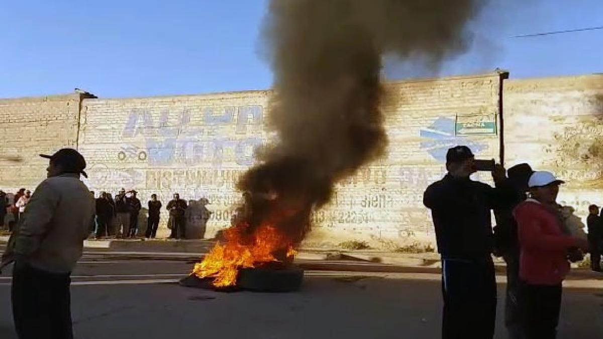 Los manifestantes se dirigieron al centro de la ciudad para realizar un plantón.
