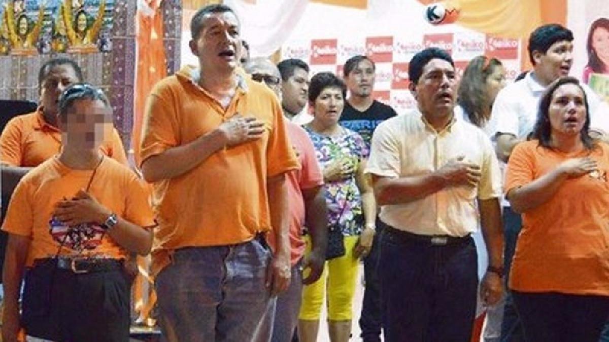 Un reporte de América Noticias, muestra al parlamentario Rolando Reátegui destacando la colaboración de Bazán al desarrollo de su partido en Tocache.