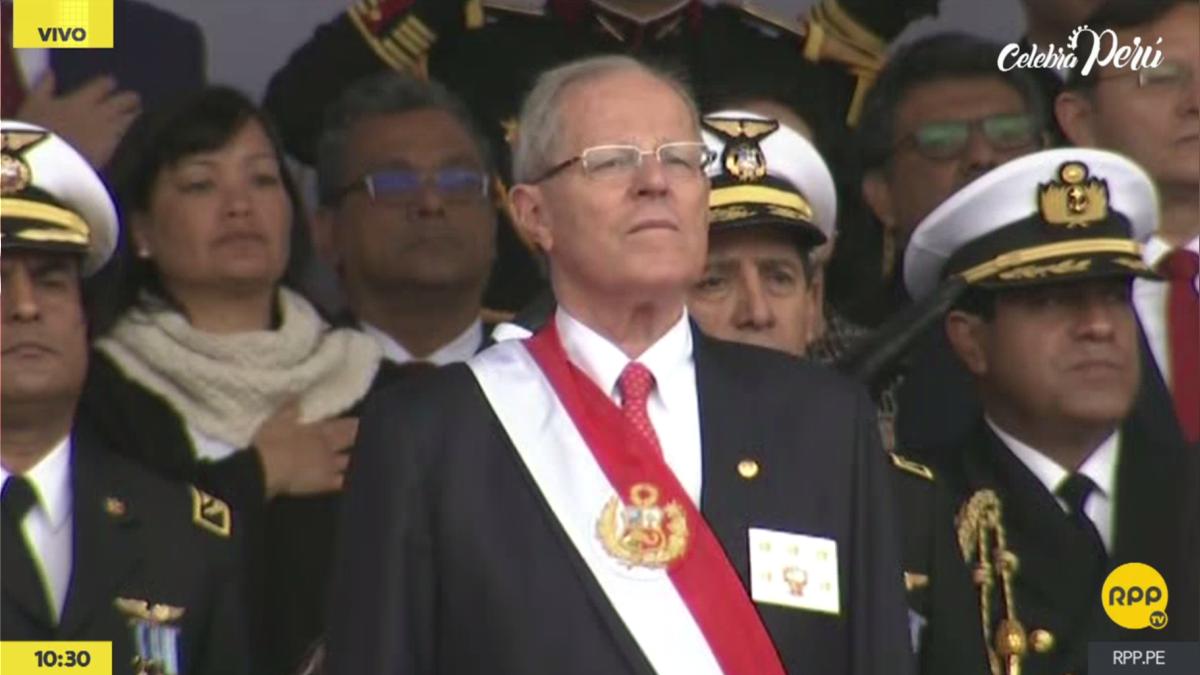 El presidente Pedro Pablo Kuczynski entonó junto a los invitados del estrado presidencial el Himno del Perú.