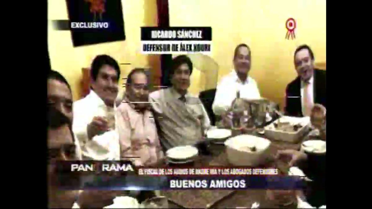 La imagen de los abogados junto al fiscal Guzmán Baca.