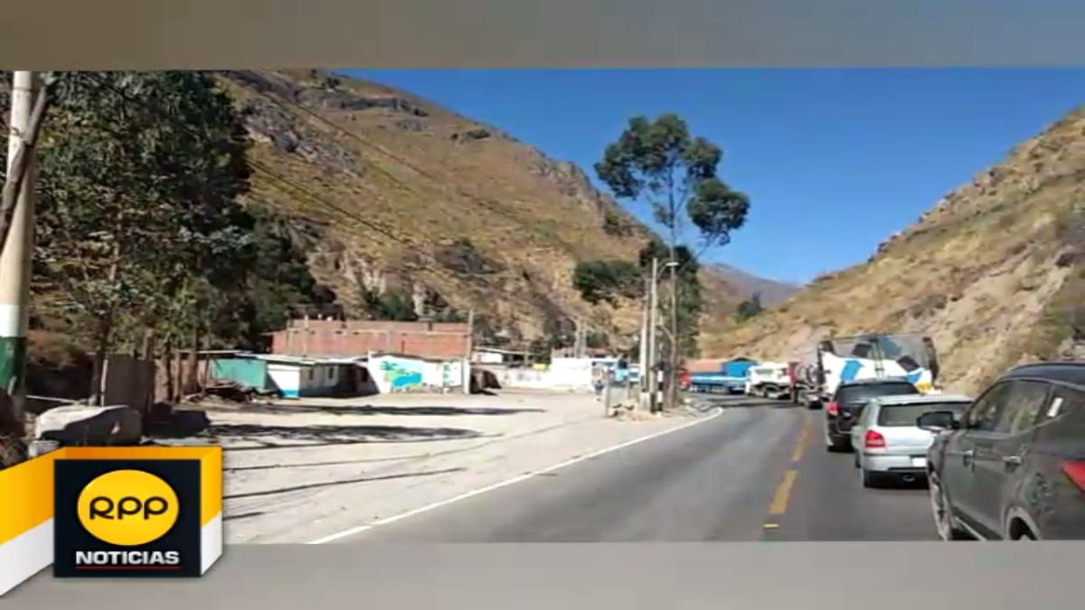 Carretera central se encuentra congestionada debido a la restricción de paso de vehículos de carga por el feriado de fiestas patrias.