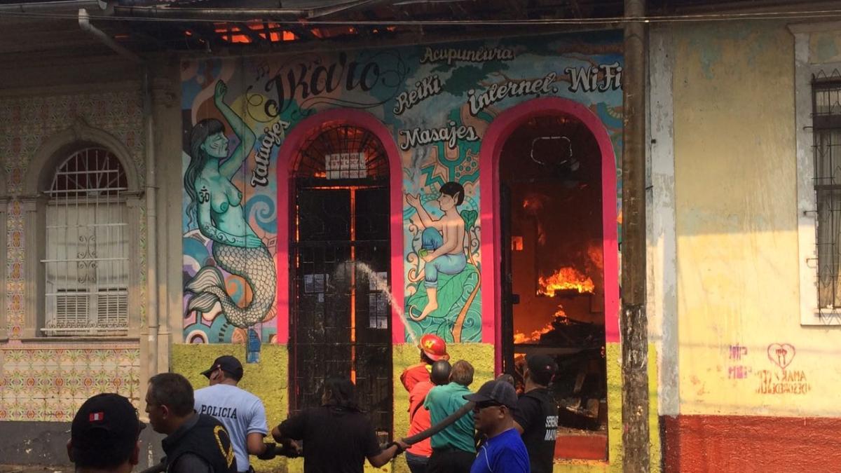Incendio en un local de diversión de Iquitos.