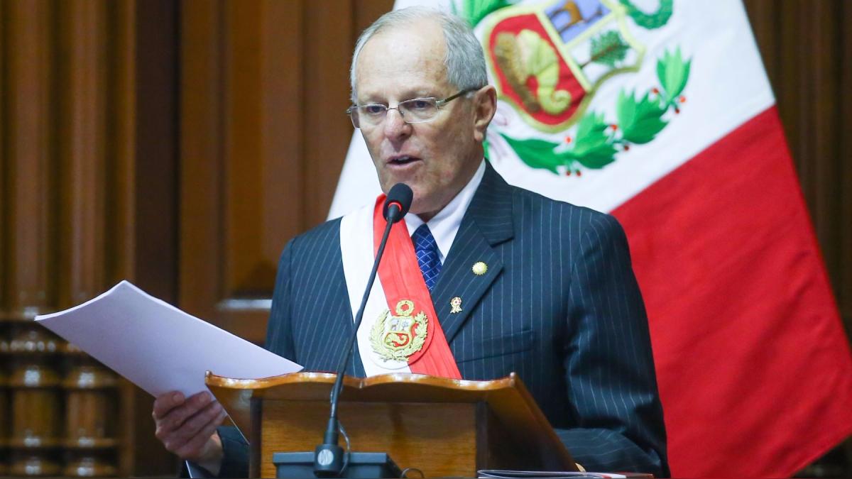 El presidente durante su discurso de 28 de julio planteó solución al tema del transporte.