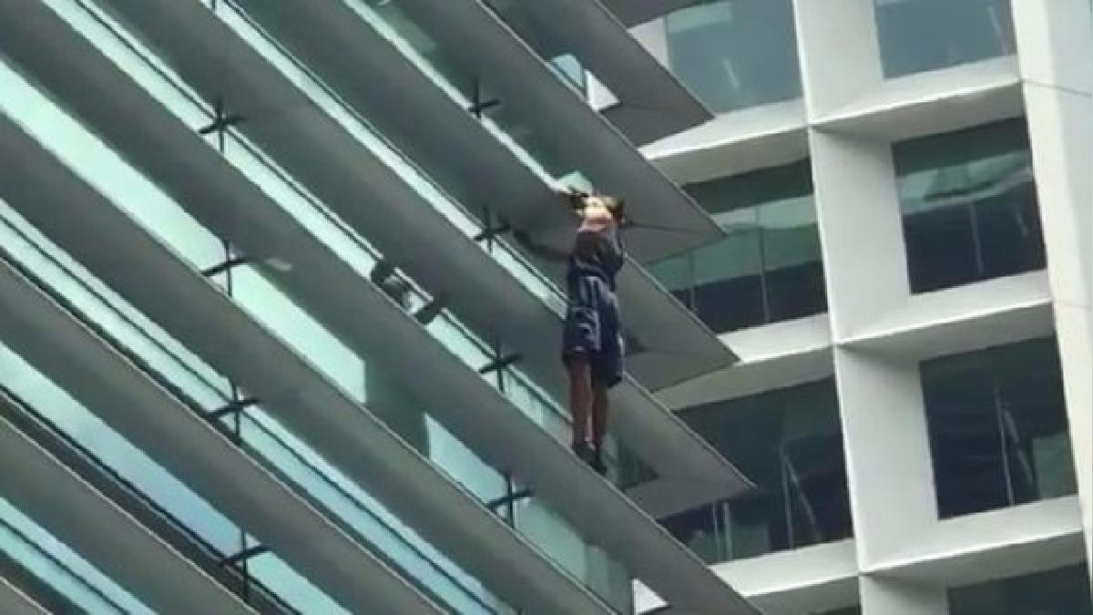 El hombre trepó 20 pisos y luego fue detenido.
