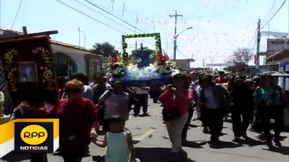 En el distrito de Bernal se encuentran 19 cruces que participan de una celebración colectiva.