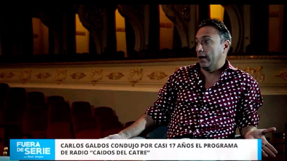 En este segmento Carlos Galdós habla sobre la vida con su madre y como esta experiencia marcó su humor.