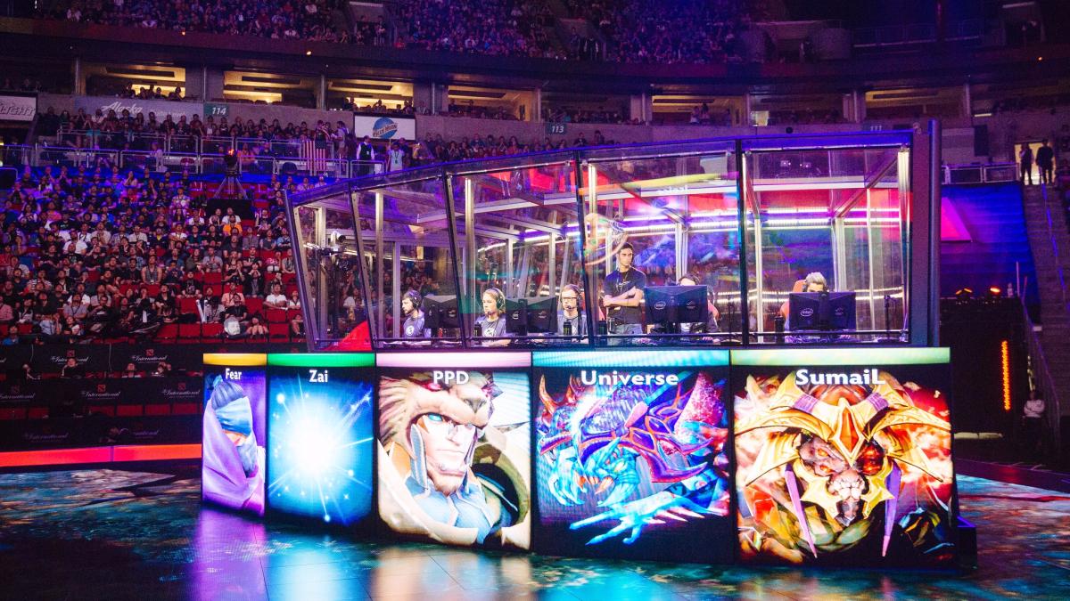 Dota 2 enfrenta a héroes agrupados en dos equipos. Las partidas competitivas son seguidas por millones de personas en todo el mundo.