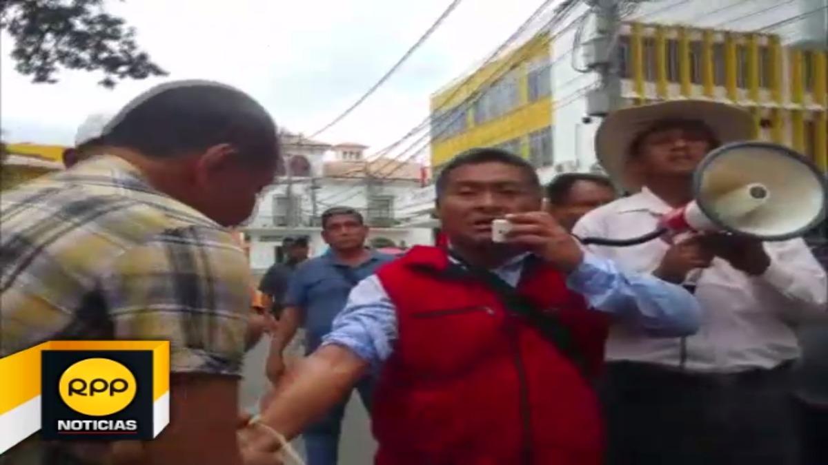 Docentes de Piura empezaron a radicalizar sus acciones durante huelga indefinida.
