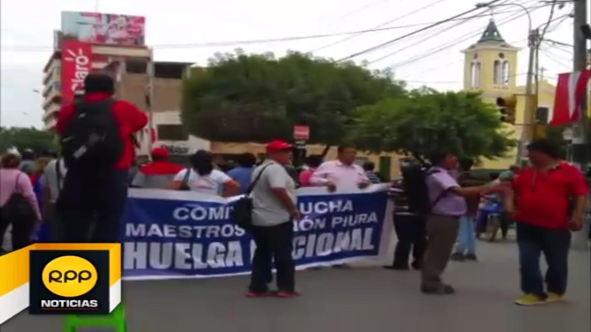 Maestros volvieron a tomar las calles  de Piura.