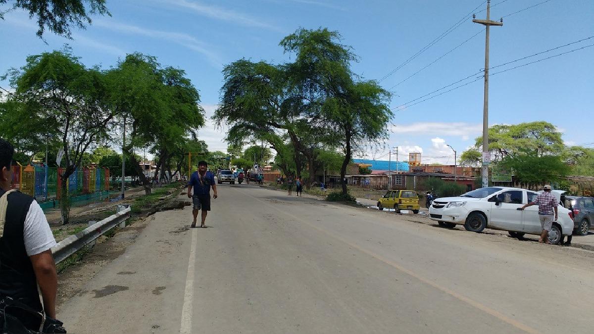 El tránsito está parcialmente paralizado pues diversos grupos se dirigen desde sus distritos hacia la ciudad de Piura.