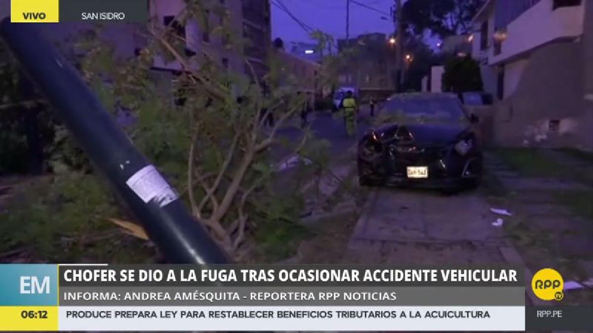 El accidente ocurrió esta madrugada en el cruce de las calles Federico Villarreal y Chinchón, en San Isidro.