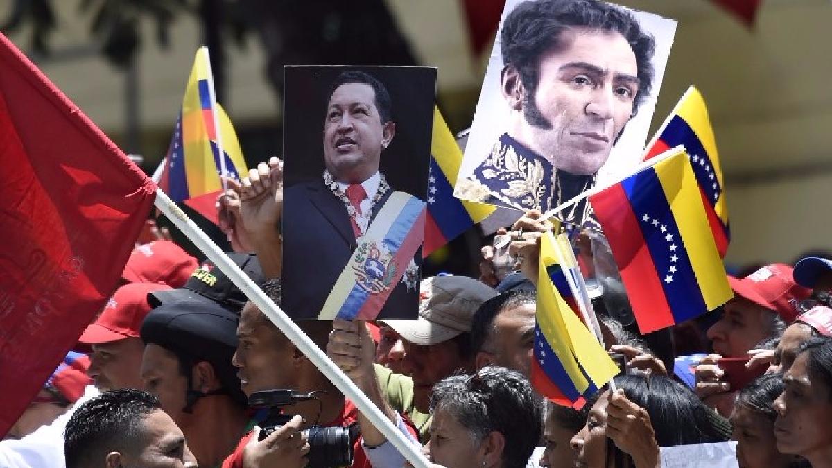 Para el ex canciller, el Perú sigue manteniendo relaciones diplomáticas con el país vecino.