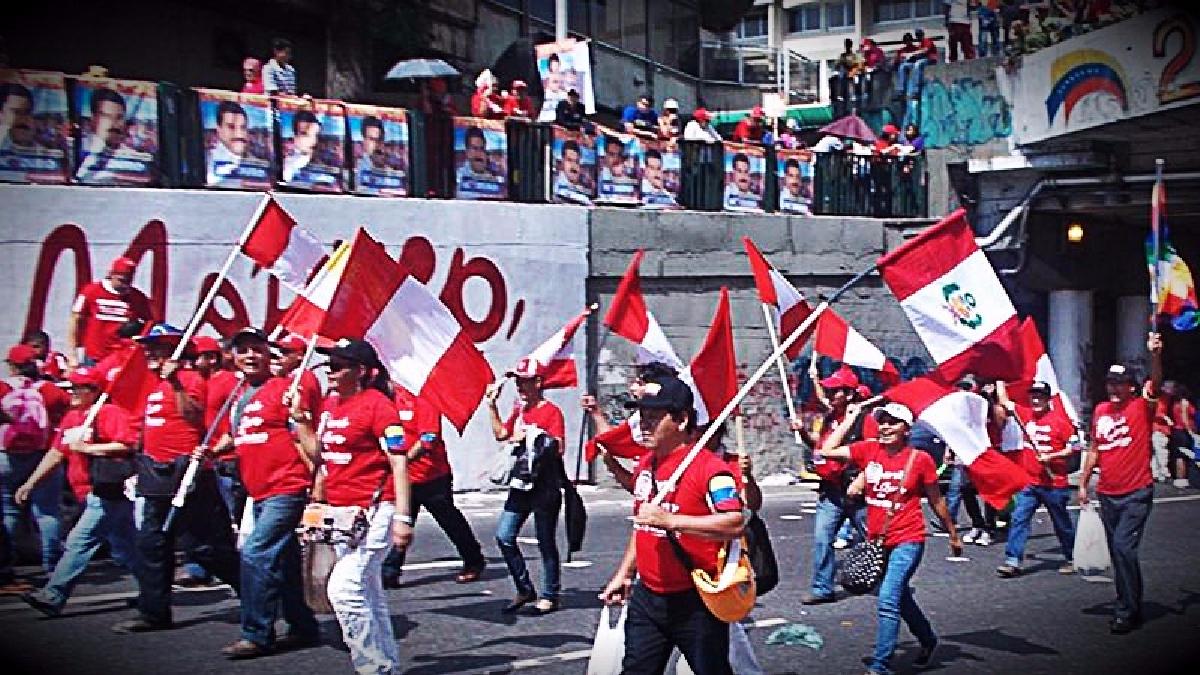 El cónsul peruano comentó que existen dos sedes en las que los trabajadores siguen atendiendo a nuestros compatriotas en Venezuela.