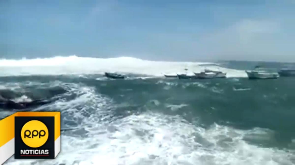 Fuertes oleajes en Puerto Las Lomas.