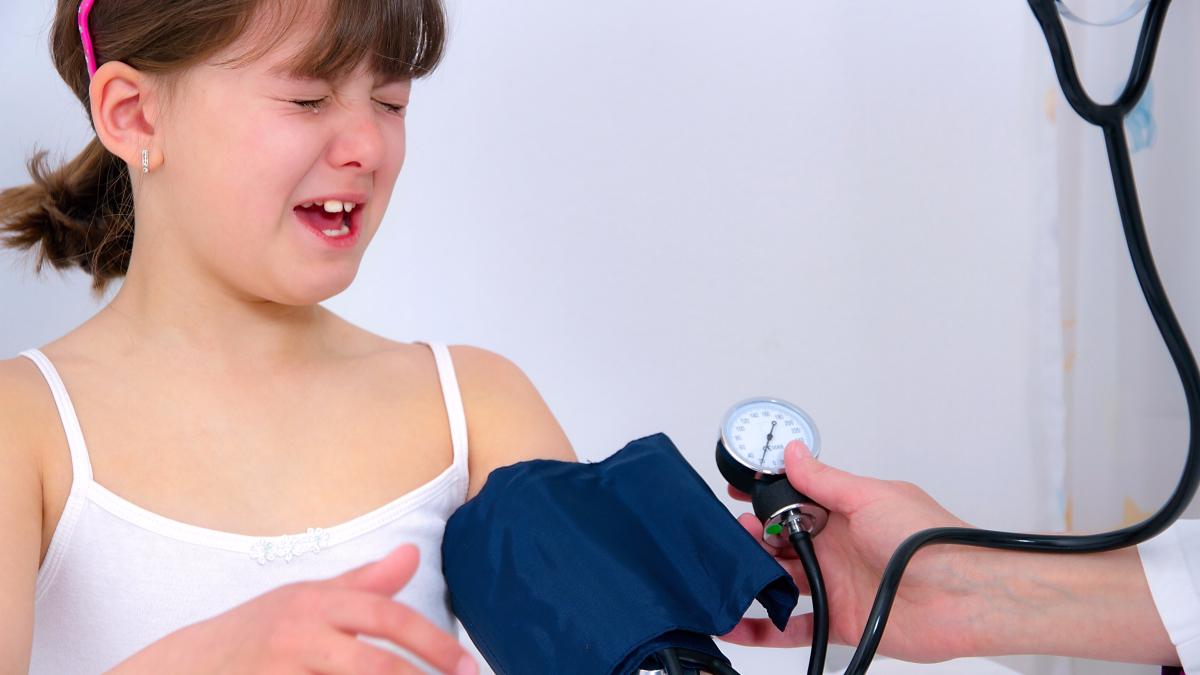 Un estudio conjunto de las universidades de Zaragoza y Sao Paulo establece una relación entre el sedentarismo y un riesgo de padecer hipertensión en niños, incrementando en 30% más las posibilidades para desarrollarla.