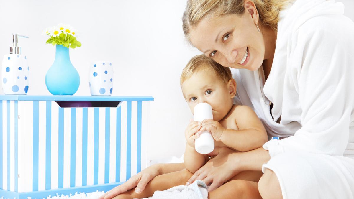 El pediatra Jorge Abel Salinas señala que el talco en bebés y niñas pequeñas no es una recomendación médica.