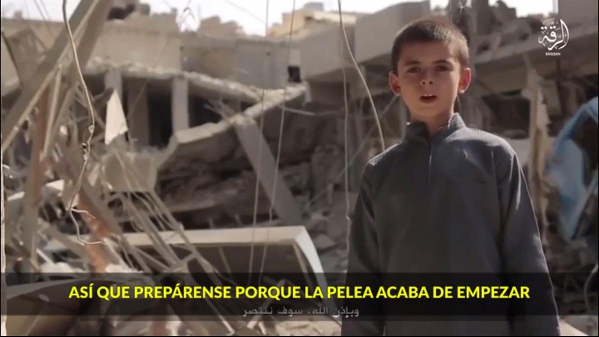 Un niño estadounidense amenazó a Donald Trump con acabar la guerra de ISIS en sus tierras.