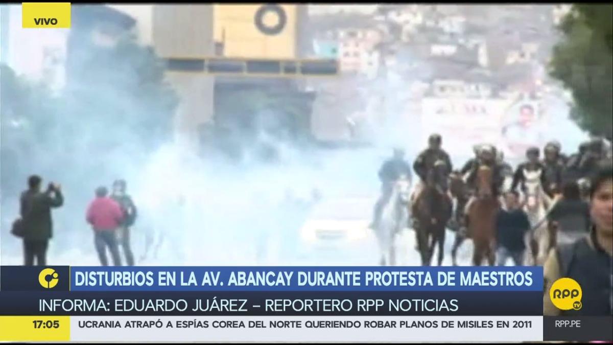 No se recomienda a los peatones transitar por la avenida Abancay a causa del los disturbios.