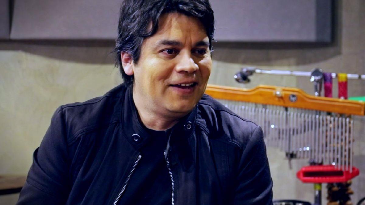 Escucha el programa completo de 'Fuera de Serie' con Lucho Quequezana.