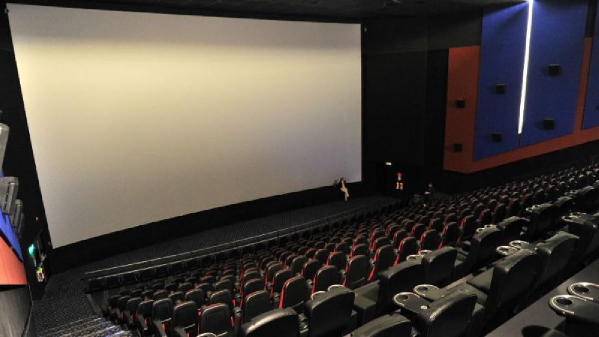 Las doce películas más exitosas del pasado fin de semana recaudaron unos 49 millones de dólares, la cifra más baja en 16 años.