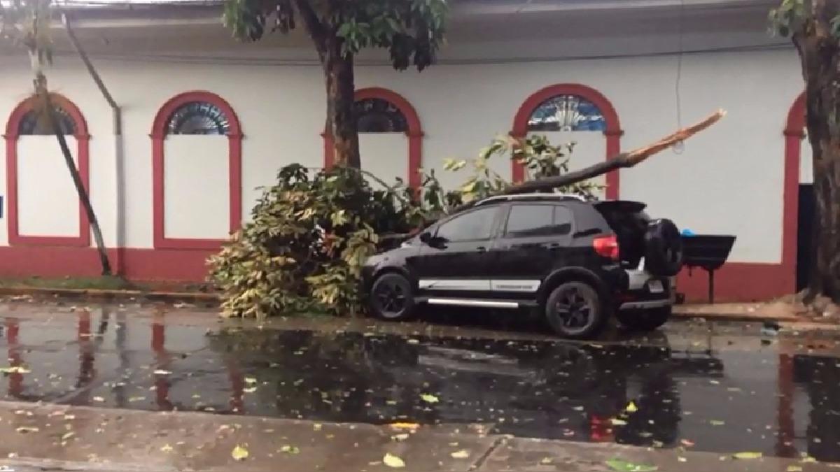 Fuertes lluvias inundaron la ciudad de Iquitos.